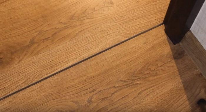 Как сделать стык ламината и плитки без порожка