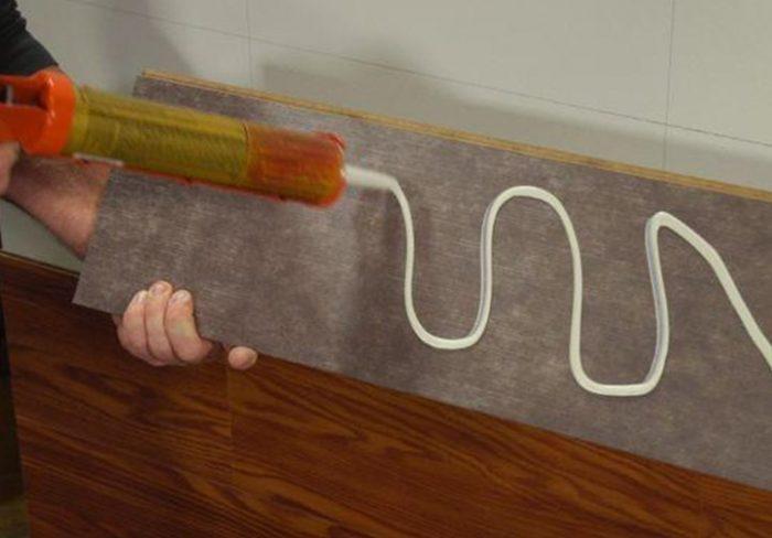 Как закрепить ламинат на стене