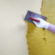 Штукатурка короед: подготовка стен, технология нанесения, затирка