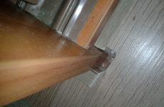 Как закрыть щель между ламинатом и шкафом?