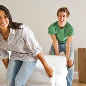Как передвинуть мебель не повредив пол.