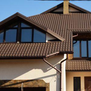 Качества, определяющие выбор металлочерепицы в частном строительстве