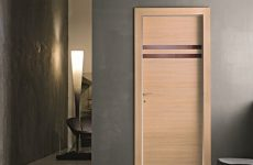 Какими преимуществами обладают шпонированные двери