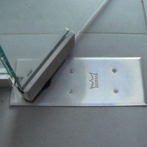 Коннекторы для стеклянных дверей