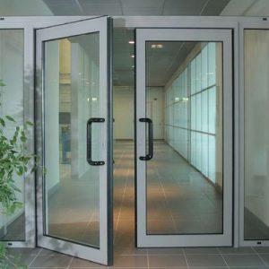 Купить алюминиевые двери в Хабаровске