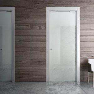 Межкомнатные скрытые двери с зеркалом