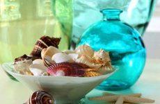 Декор из ракушек и морских камешков
