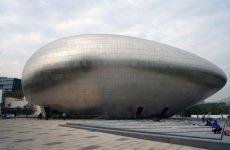 Футуристический музей в Пекине