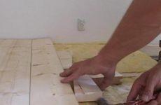 Как стянуть доски пола?