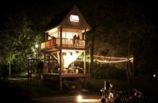 Уникальный коттедж Tom's Treehouse – дом вокруг дерева